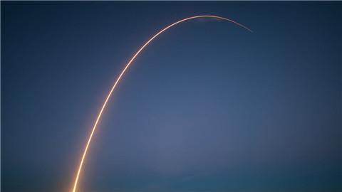 SpaceX的胜利:世界首次成功海上回收火箭